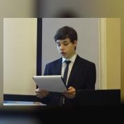 Олег Суворов (юнармейский отряд «Неудержимые», рук. Евстигнеева С.А.) выступает с докладом «А.В. Суворов и его «Наука побеждать»»