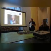 Плахута Виктория  (юнармейский отряд «Стремление», руководитель Пичурина М.Л.) выступает с докладом  «В огненном дыхании Сталинграда»