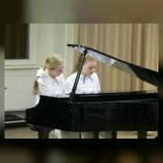 Настя Железнова, Юля Колесниченко